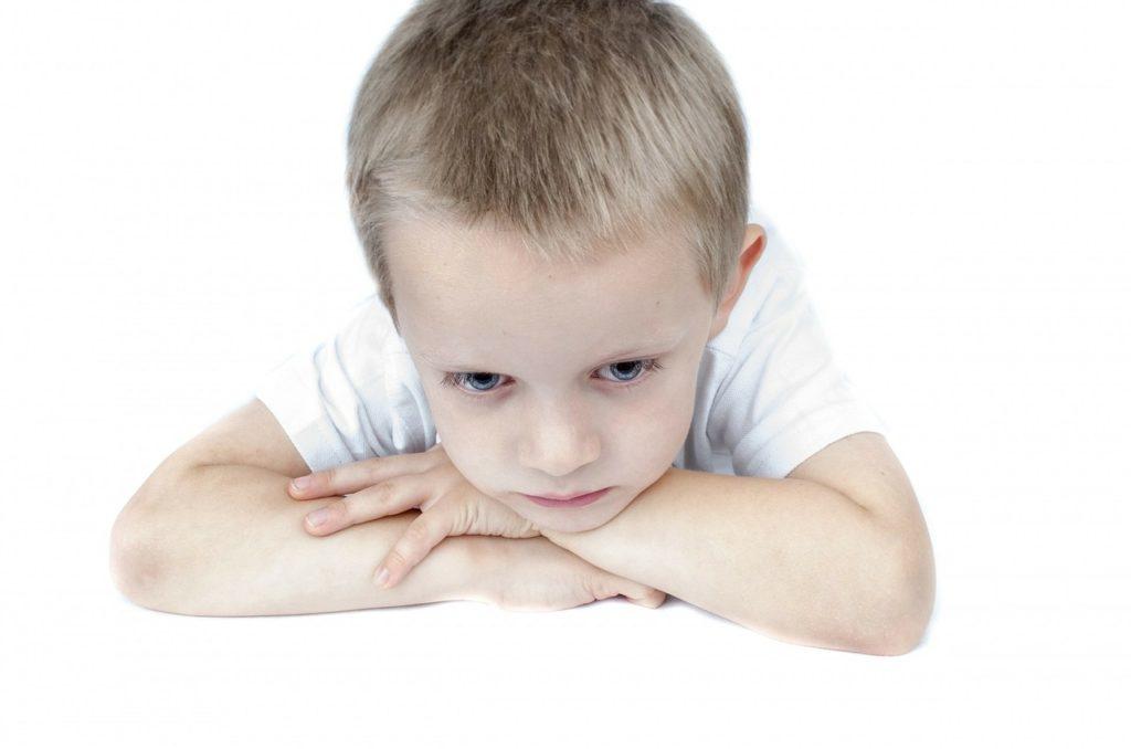 jak reagować na emocje dzieci?