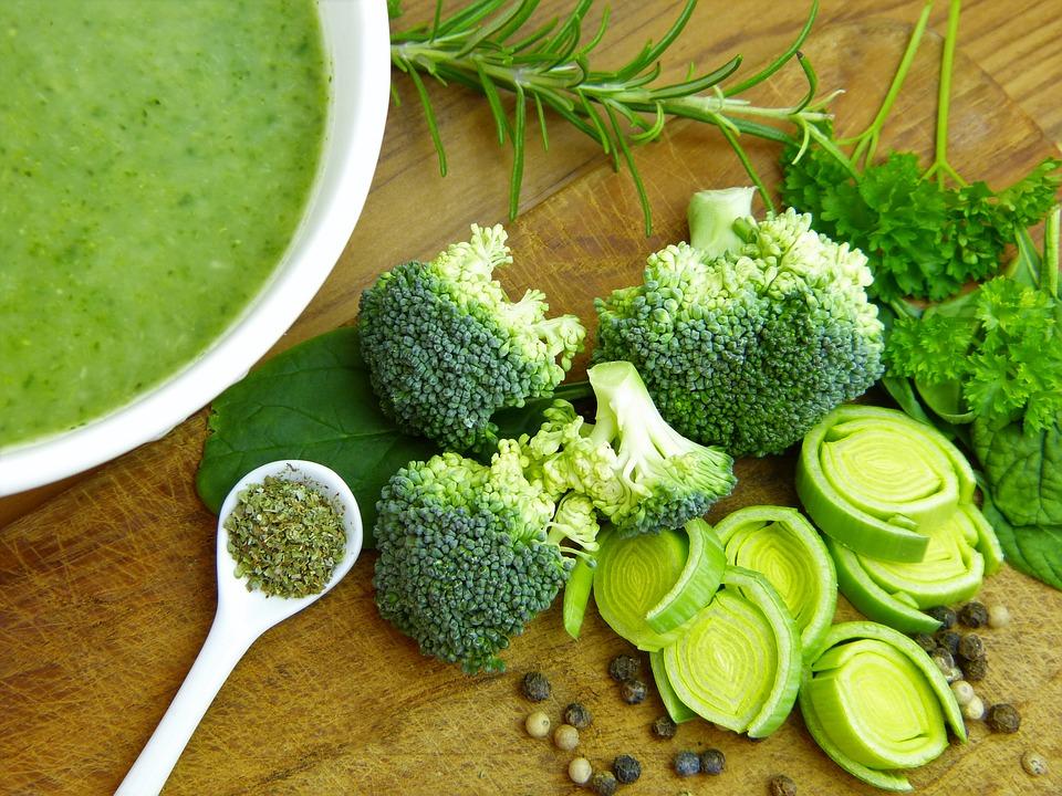 Zupa z brokułów i jej składniki