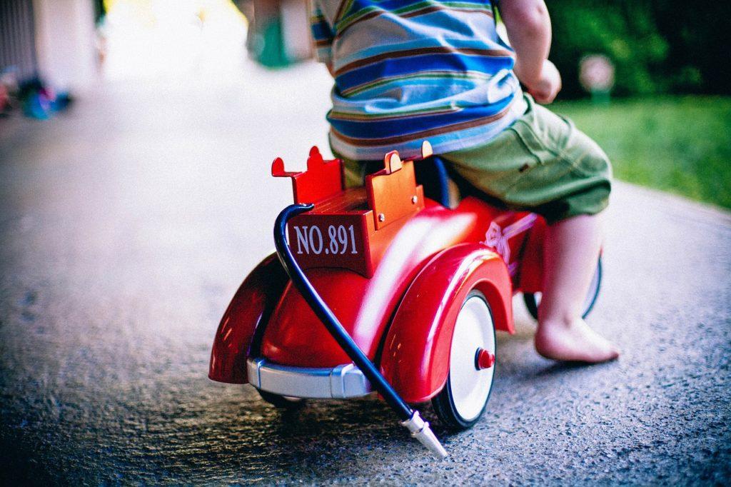sąd odebrał matce dziecko za nieodpowiednią zabawkę