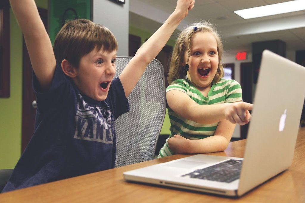 Jak komórka, tablet i komputer wpływają na dziecko?
