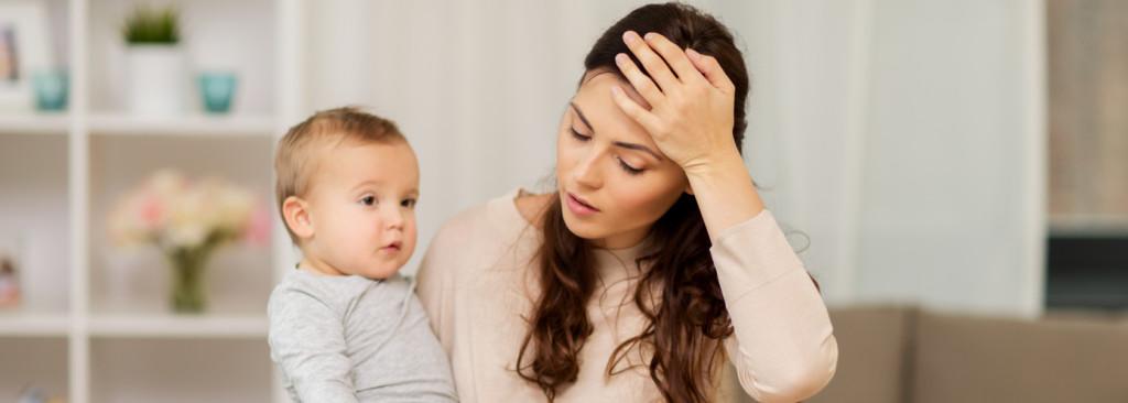 Dlaczego matka zostaje z dzieckiem w domu