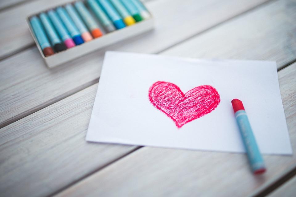 Serce narysowane na kartce