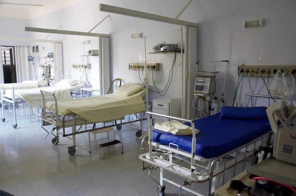 Dostępność w warszawskich szpitalach świadczeń gwarantowanych w postaci zabiegu przerwania ciąży