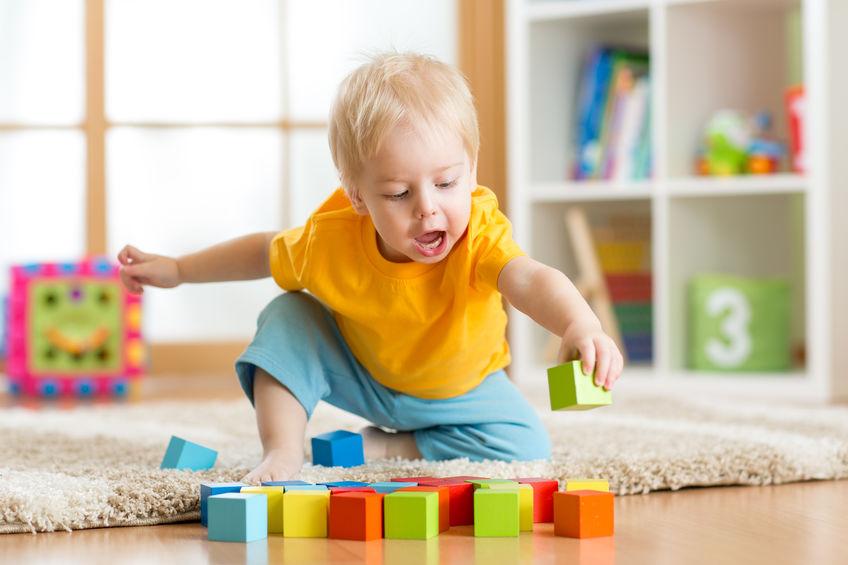 metoda Montressori, zabawa, educkacja, dziecko